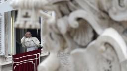 Pápež v novoročnom príhovore vyzval ľudí nepodliehať konzumu