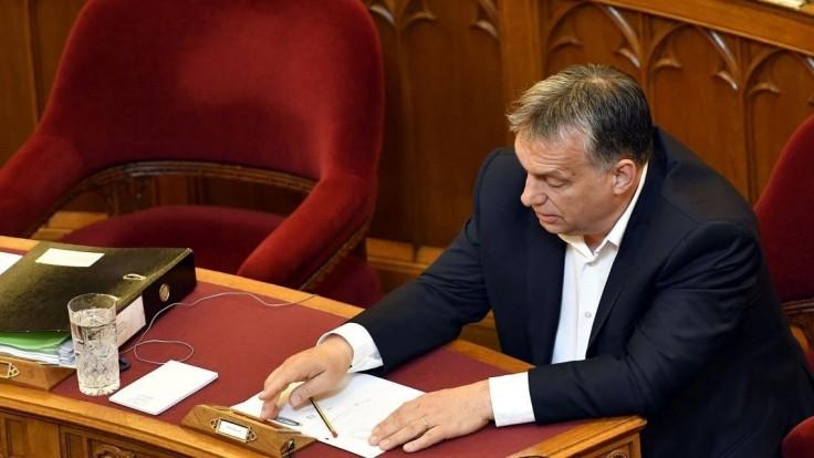 Orbán by mal predložiť dôkazy o Sorosovom migračnom pláne