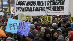 Tisíce antifašistov vyšli na protest proti novej rakúskej vláde