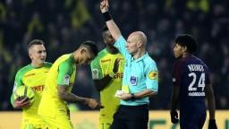 PSG s najtesnejšou výhrou, zápas poznačil faul na rozhodcu
