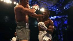 Blíži sa veľký boxerský zápas o majstra sveta v superťažkej váhe