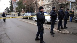 Srbsko po vražde popredného politika stoplo rokovania s Kosovom