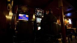 Z pohostinstiev miznú automaty, začal platiť nový zákon o hazarde