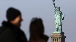 Vládne inštitúcie v USA ochromil shutdown, senátori sa nedohodli