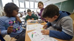 Problémy Rómov môžu riešiť internátne školy, riaditeľka je proti