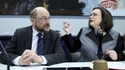 Plánované rozhovory o vláde stagnujú. SPD rieši vnútorný boj