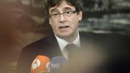 Puigdemont ohlásil návrat, ale zatiaľ nechce riskovať. Chce referendum