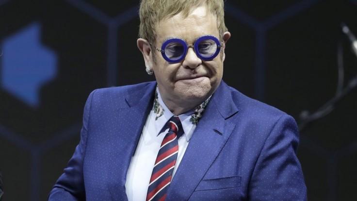 Elton John sa rozlúči. Po poslednom turné skončí s koncertovaním