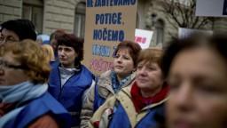 Slovinci sa zapojili do celonárodného štrajku, chcú vyššie platy