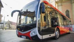 V Bratislave pribudli prvé elektrobusy, cieľom je ekologickejšia doprava