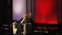 Zeman obhajuje vo voľbách druhý mandát, má za sebou bohatú kariéru