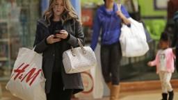 Spotrebitelia sa sťažujú menej, nekalé praktiky však stále sú