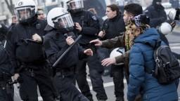 Kurdi v Európe vyšli do ulíc, odsudzovali Erdoganov režim
