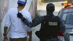 Po zmiznutí tínedžera zatkli policajtov. Mexičania vyšli do ulíc