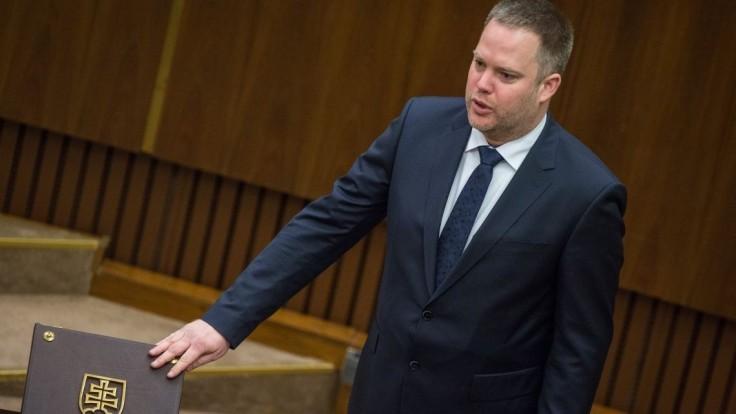Poslanci zvolili nového predsedu výboru pre nezlučiteľnosť funkcií