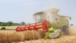 Vláda chce dať poľnohospodárom 30 miliónov cez zelenú naftu