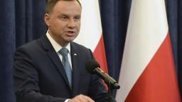 Senát v Poľsku schválil kritizovaný návrh zákona o holokauste