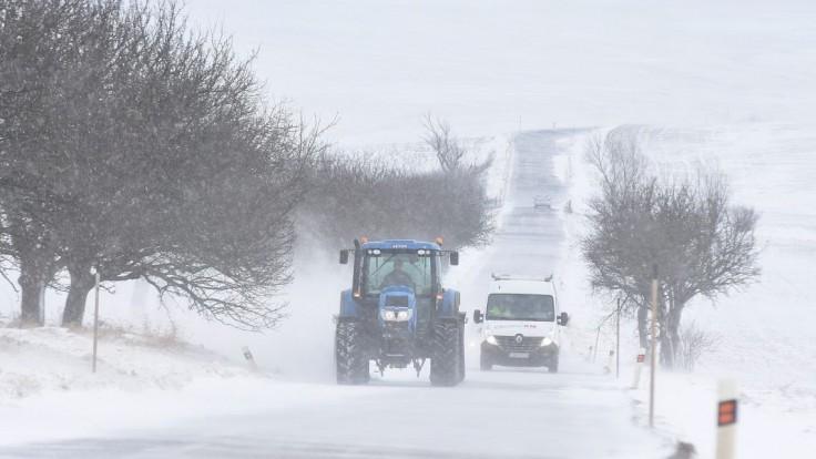 Nasledujúce dva dni má snežiť, meteorológovia čakajú desiatky centimetrov