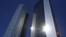 Deutsche Bank zaznamenala stratu, bankári vymenovali niekoľko dôvodov