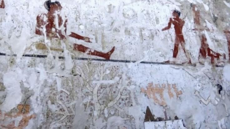 Neďaleko pyramíd v Káhire objavili hrobku starú štyri tisícročia