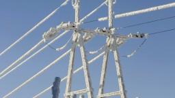 Kalamita odrezala východniarov od elektriny, opravy komplikoval stav ciest