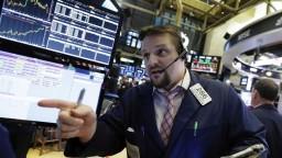Prudký prepad amerických akcií ťahá nadol aj Áziu a Austráliu