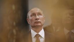 Putin sa stal oficiálnym kandidátom, podporuje ho väčšina Rusov