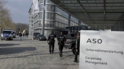 V Audi bola razia. Vyšetrovatelia prehľadali kancelárie aj prevádzky