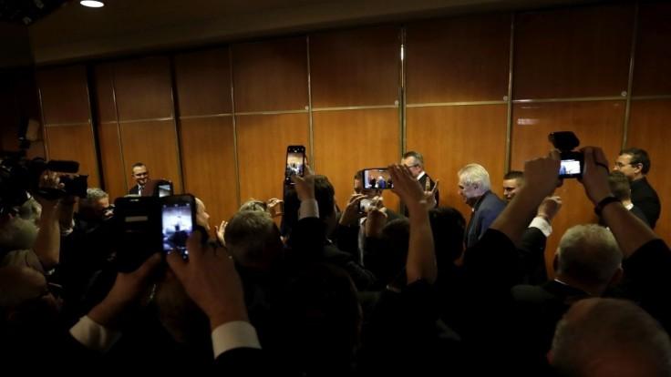 Zomrel novinár, ktorý bol aktérom pri potýčke v Zemanovom volebnom štábe
