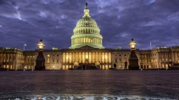 Shutdown skončil, schválili rozpočtový balík a výdavky na obranu