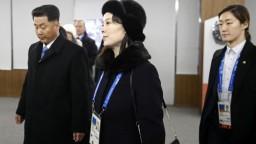 Juhokórejský prezident si nečakane potriasol rukou s Kimovou sestrou