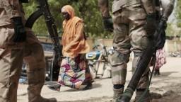 Teroristi z Boko Haram prepustili zo zajatia 13 rukojemníkov