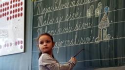 Základné a stredné školy budú možno viesť ľudia bez pedagogickej praxe