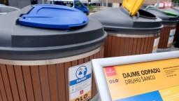 Staré kontajnery nahrádzajú moderné, zmestí sa do nich viac odpadu