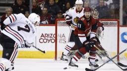 NHL: Arizona jednoznačne zdolala Chicago, Pánik s Jurčom nebodovali