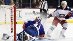 NHL: Halák vychytal 47 úspešných zákrokov, prehre však nezabránil