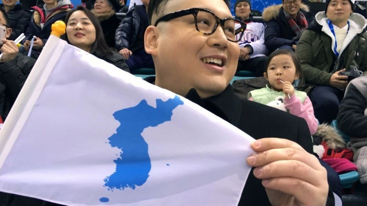 Polícia zatkla Kimovho dvojníka, ktorý sa išiel pozrieť na hokej