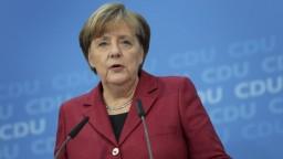 Merkelovú čakajú dôležité rozhovory, prijme Mayovú aj Morawieckeho