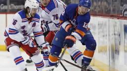 NHL: Ostrovania triumfovali na ľade Caroliny, pripísali si druhé víťazstvo na nulu