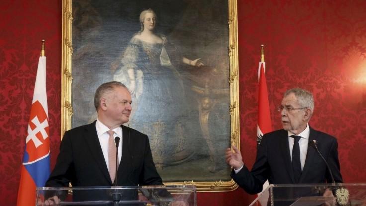 Kiska s rakúskym prezidentom hovoril o V4 aj o znížení prídavkov