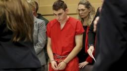 Strelec z floridskej školy sa postavil pred súd, vinu zatiaľ nepriznal