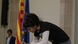 Na úteku je aj ďalšia katalánska exposlankyňa. Hrozí jej zatykač