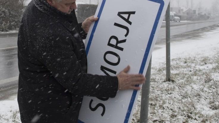 Most-Híd verí, že Slovensko dozrelo na výmenu dvojjazyčných tabúľ