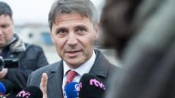 Zavedenie parkovacej politiky v Bratislave zostáva naďalej neisté