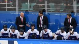 V rebríčku IIHF sme sa prepadli, hokejisti však koncepcii veria