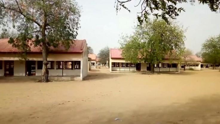Zmizlo vyše sto dievčat, priznala vláda po nájazde Boko Haram na školu