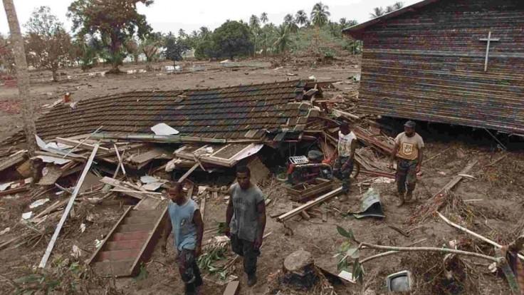 Na ostrove Papua udrelo silné zemetrasenie, spôsobilo zosuvy