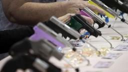 Republikáni tvrdia, že USA lepšiu kontrolu predaja zbraní nepotrebujú