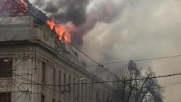 Horel daňový úrad v Košiciach, boj s plameňmi komplikoval vietor