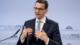 Brusel a Poľsko obnovili dialóg vďaka novej vláde, myslí si podpredseda EK